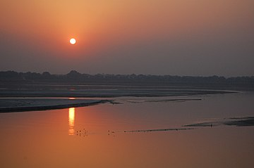 Sunset on the Ganga river, Allahabad.jpg
