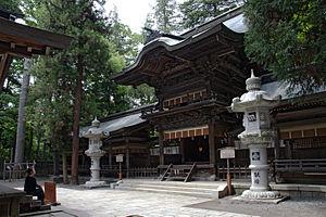 Suwa taisha - The hei-haiden of the Harumiya, one of the two component shrines of the Lower Shrine or Shimosha