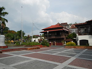 Taal, Batangas - Plaza and heritage houses in Taal