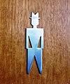 Taktiles Piktogramm mit habtischem Symbol, Herrn.jpg