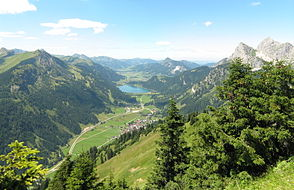 View from the Hahnenkamm into the Tannheimer Tal with Nesselwängle, Haldensee, Grän and Tannheim