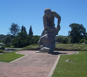 Te Kuiti - Statue celebrating the shearing industry in Te Kuiti