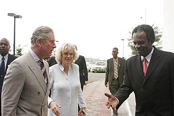 Personnalité du 17/07/2010 - Camilla PARKER BOWLES dans 07/2010 350px-The_Prince_Charles2