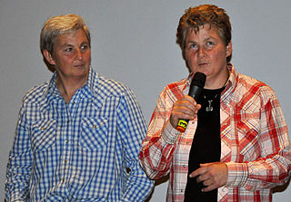 Topp Twins New Zealand folk singers, comedians, and activists (born 1958)