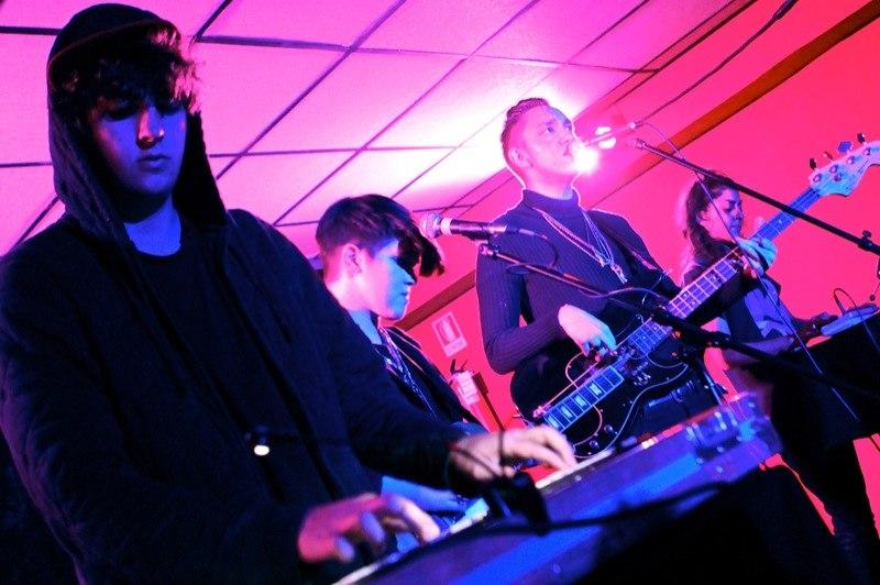 The xx live at La Casa 139