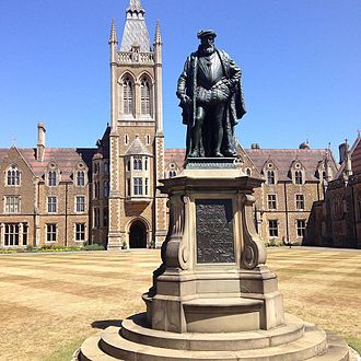 Charterhouse School - Statue of Thomas Sutton on Founder's Court
