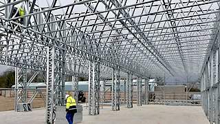 Three dimensional truss construction