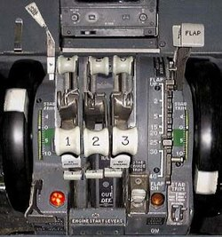 Throttle Boeing 727.jpg