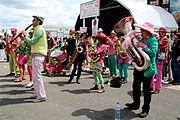 Tonnerres de Brest 2012 Fanfare A bout de souffle 007.jpg