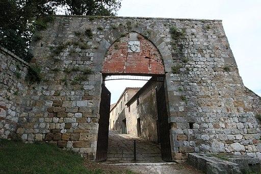 Montefollonico, Porta del Triano