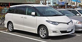 Toyota Previa - Image: Toyota Estima R50 001