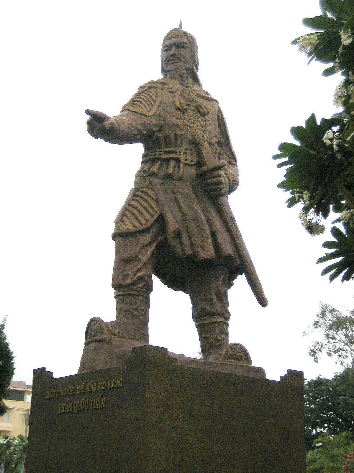 File Tran Hung Dao Statue Jpg Wikimedia Commons