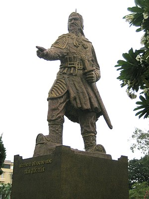Trần dynasty - Statue of noble admiral Trần Quốc Tuấn.