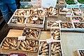 Tsukiji Market (26329198369).jpg