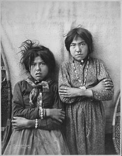 Two Tlingit girls, Tsacotna and Natsanitna, wearing noserings, near Copper River, Alaska, 1903 - NARA - 524404.jpg
