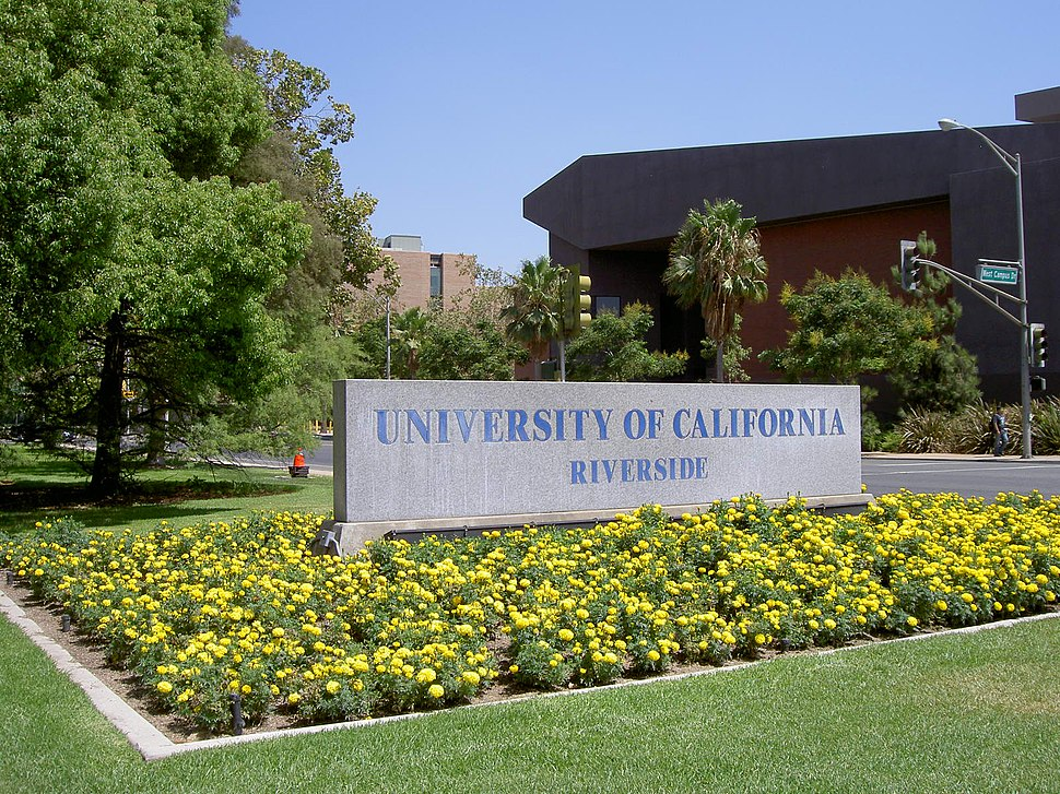 UCR University Ave entrance