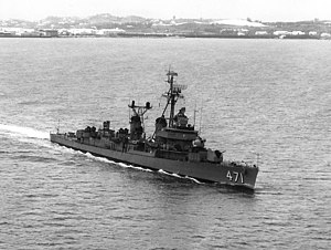 USS Beale (DD-471) underway on 27 October 1964 (NH 103711)
