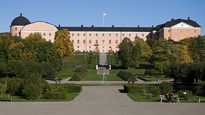 Uppsala slott as seen from the botanical garden.jpg