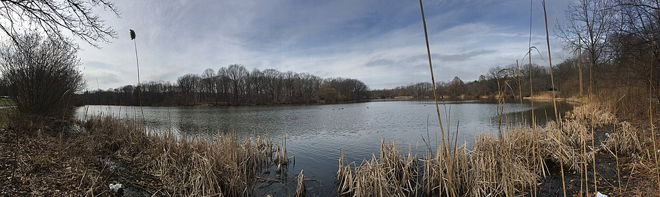 Like Parting Of Red Sea Madison Lakes >> Van Cortlandt Park Wikipedia