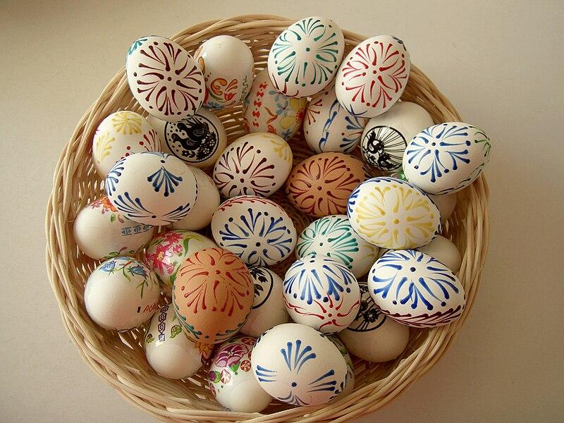 File:Vajíčka zdobená voskovou technikou.jpg
