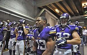 2013 Minnesota Vikings season - Image: Vikings players before game vs Browns