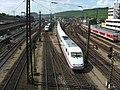 Würzburg Hauptbahnhof ICE-Begegnung 0524.JPG