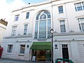 Waitrose, Motcomb St, London.jpg