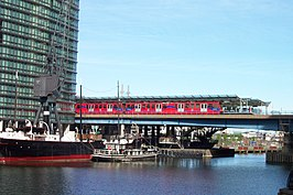 West India Quay DLR station 1.jpg