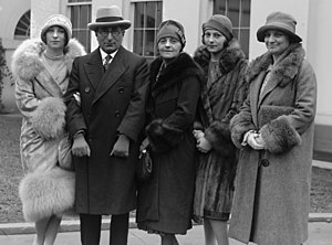 Irene Mayer Selznick - Image: Willebrandt and Mayer family at White House