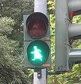 Worms Wilhelm-Leuschner-Straße Ampelmännchen Luther grün.jpg