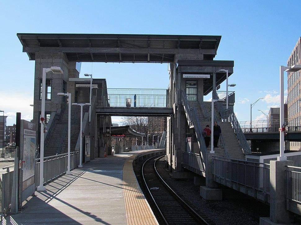 Yawkey pedestrian bridge from inbound platform