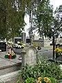 Zabytkowe groby na cmentarzu w Jazgarzewie k. Piaseczna (6).jpg