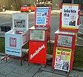 Zeitungsstaender (Strassenverkauf).JPG