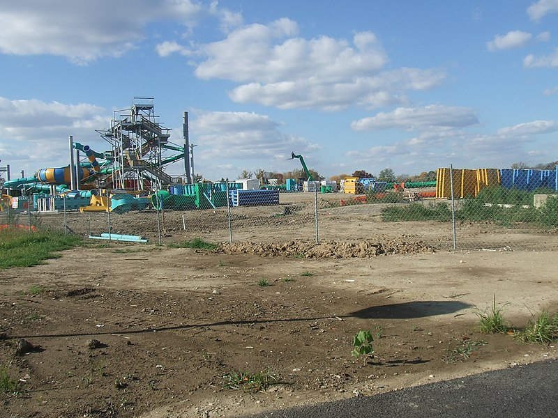 File:Zoombezi Bay Construction 2007.jpg