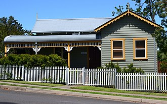 Blaxland, New South Wales - Image: (1)Menahne in Hope Street Blaxland