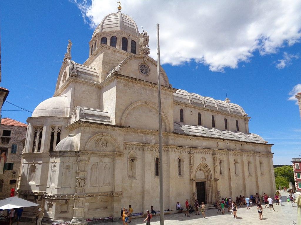Katedral St. James di Šibenik dimasukkan dalam Daftar Warisan Budaya Dunia UNESCO pada tahun 2000