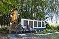 Кордишівка, Пам'ятник 56 воїнам – односельчанам загиблим на фронтах ВВВ, біля клубу.jpg