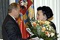 Людмила Зыкина и Владимир Путин.jpg