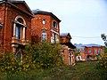 Усадьба Нечаевых-Мальцевых, главный дом, вход со стороны домов.jpg