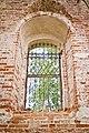 Церковь Владимирская (Рубежская) - окно с решеткой.jpg