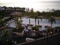 カフーリゾートのプールサイド - panoramio.jpg