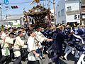 カーブを曲がった松原本社神輿.JPG