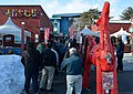 帯広競馬場で元日開催の開門を待つ観客達(2016年1月1日).JPG