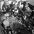 신안 앞바다 중국 송-원대 도자기 인양작업 현장.jpg