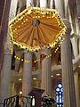 025 Sagrada Família, interior, baldaquí i crucifix.jpg