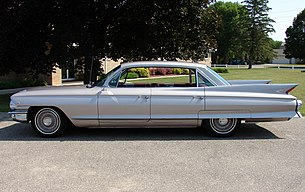 1961 Cadillac 6-window Sedan Deville (8).jpg