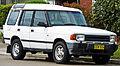 1994-1997 Land Rover Discovery V8i 5-door wagon 03.jpg
