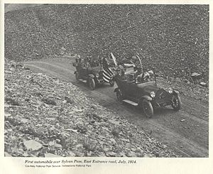 Sylvan Pass (Wyoming) - Image: 1st Autos Over Sylvan Pass YNP1914
