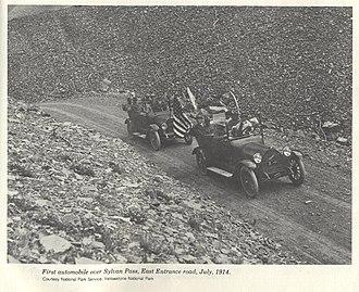 Sylvan Pass (Wyoming) - Image: 1st Autos Over Sylvan Pass YNP1914