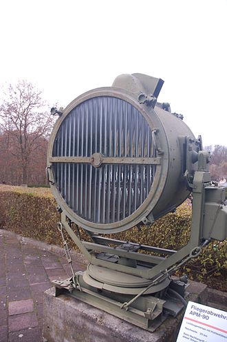 Aerobeacon - A German WWII-era APM-90 anti-aircraft searchlight